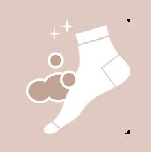 Kies voor schone sokken van natuurlijk, naadloos en vochtabsorberend materiaal.